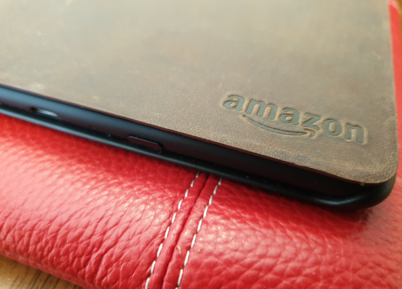 Inside View: First Touch with Paperwhite #kindle
